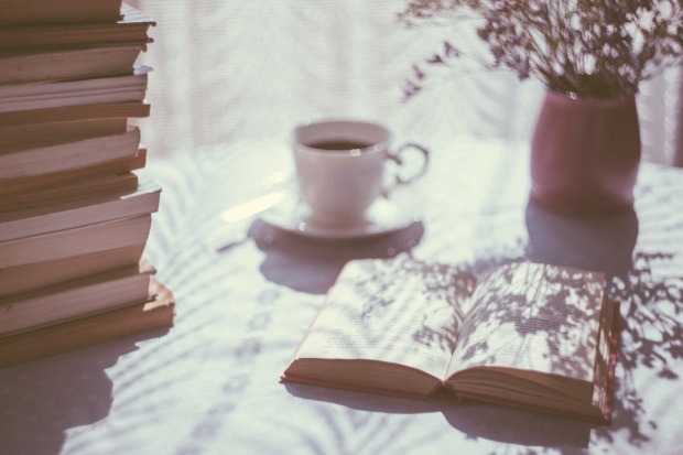 books-2597033_1920